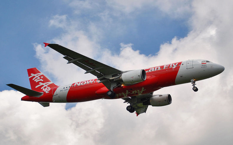 Según un ministro de Singapur, se ha localizado la estructura principal del fuselaje del vuelo AirAsia QZ8501
