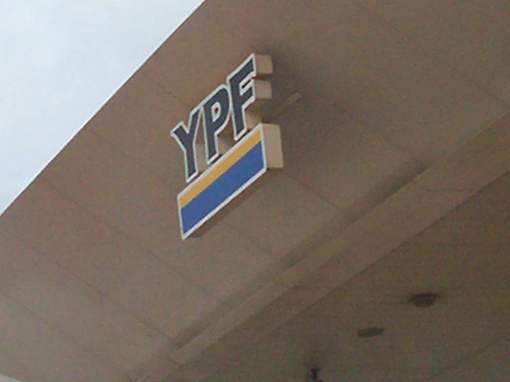 YPF aumentó producción de gas (12.5%) y petróleo (8.7%) durante 2014