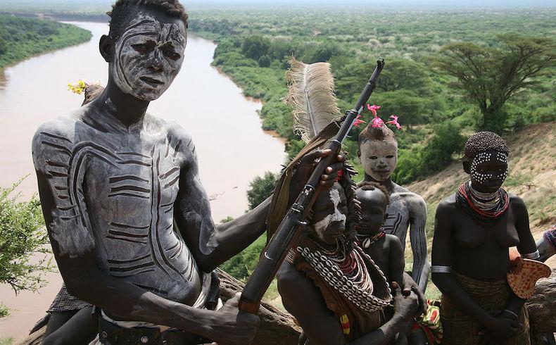 La nueva esclavitud infantil; niños soldados y explotación sexual de niñas