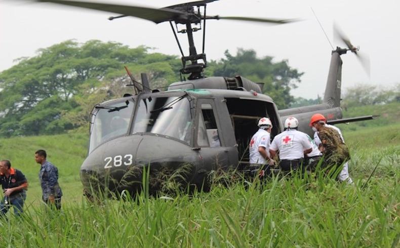 Unidad Humanitaria de Rescate de El Salvador ayuda a víctimas de desastres