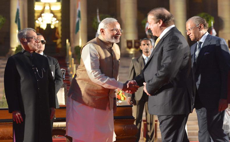 El primer ministro del Pakistán promete apoyo a la 'lucha de liberación' de Cachemira