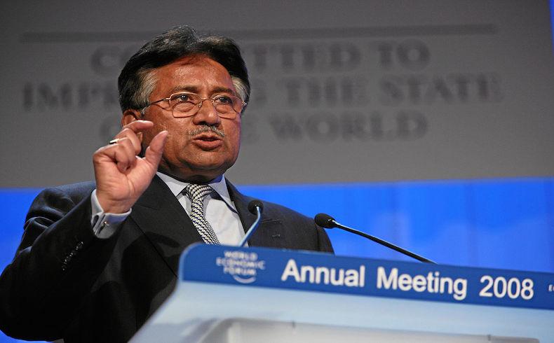 Un tribunal prohíbe a Musharraf de Pakistán presentarse en las elecciones