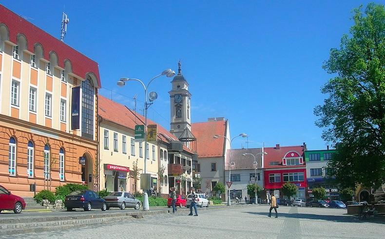 Una persona armada mata a tiros a 8 personas en un pueblo checo