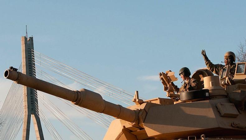 Los EE.UU. comienzan el despliegue de 3.000 efectivos al Báltico