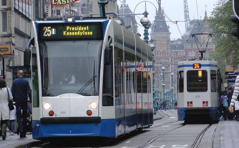 Renuncian el ministro y viceministro de Seguridad y Justicia de Holanda