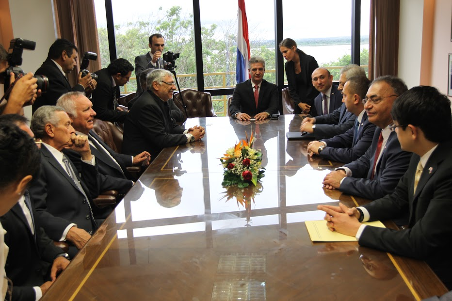 Azerbaiyán interesado en potencial energético de Paraguay