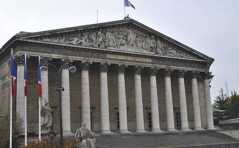 """La eutanasia es inadmisible e intolerable: Francia debate la ley sobre el """"derecho a morir dignamente"""""""