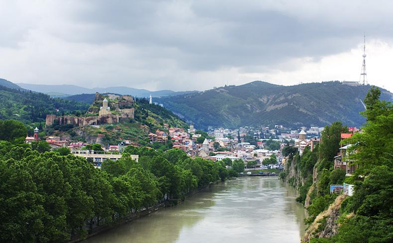 Georgia es una vía de paso cómoda para el petróleo asiático hacia la industria europea