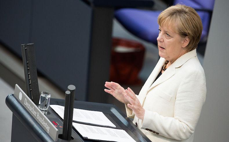 Merkel urge a los separatistas que cumplan los acuerdos de Minsk