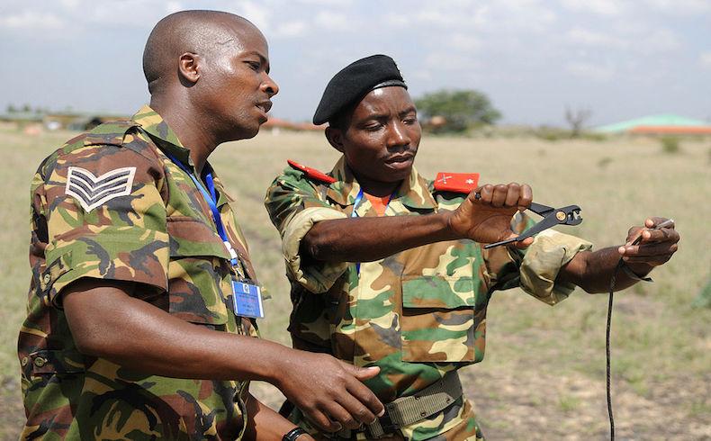 Kenya promete no retirar tropas de Somalia