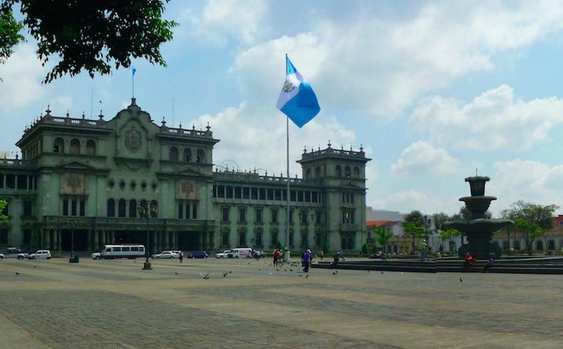 Guatemala una verdadera porquería política…