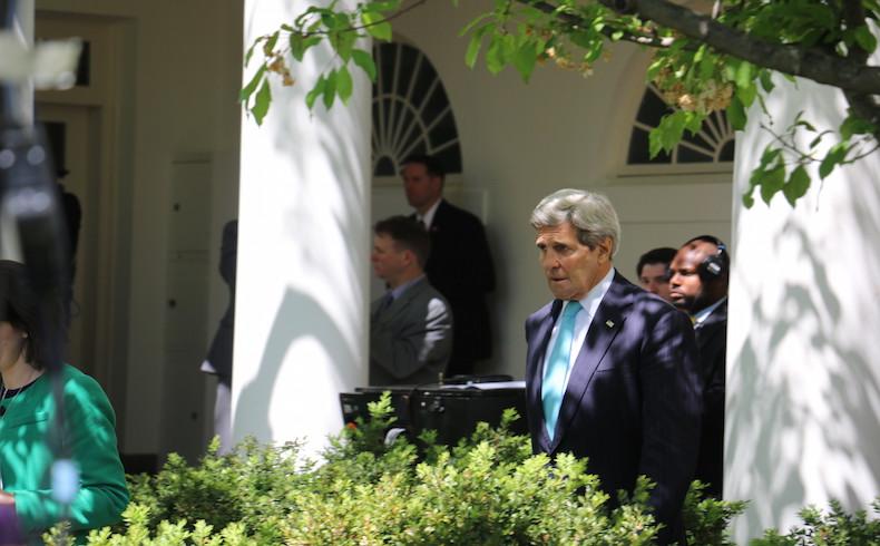 Kerry: EEUU ayudará a Zapatero para lograr diálogo político en Venezuela