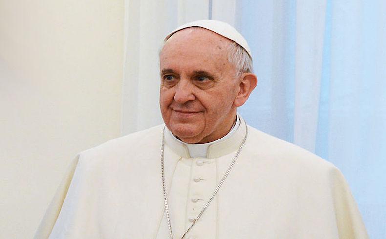 """Preparan visita del Papa a Chile en enero próximo; habría declaración sobre el """"conflicto mapuche"""""""