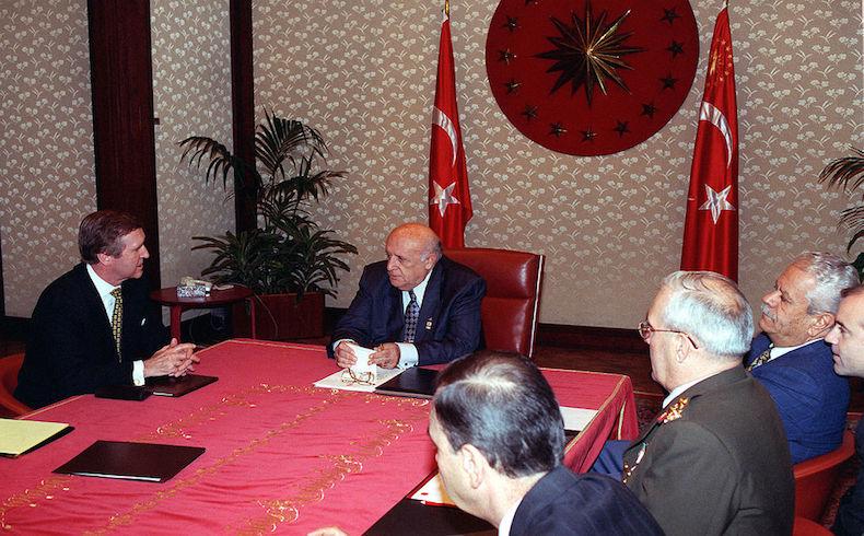 Se realizó un funeral de estado para el ex-presidente turco Demirel