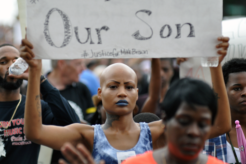 """""""Disturbios raciales en EE.UU"""": crueles y despiadados"""