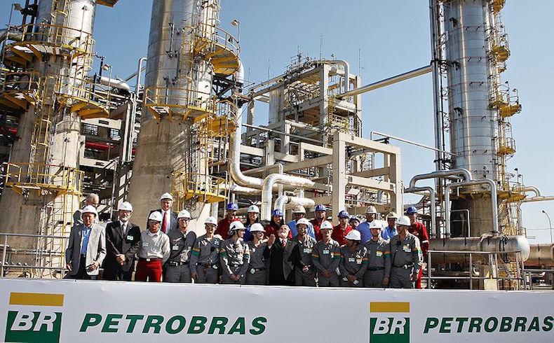 Lula da Silva querella a periodistas que lo involucran en corrupción de Petrobras