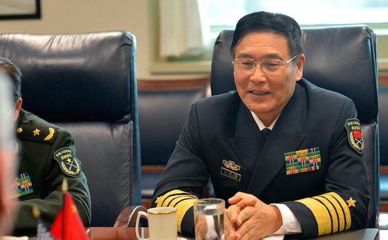China urge estrechar lazos militares con Irán