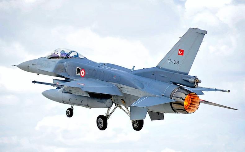 Turquía dice a Rusia que interceptará aviones violadores del espacio