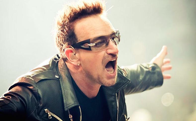 Hoy nos acordamos de Bono, el fundador de U2, que lucha contra la erradicación del SIDA en África