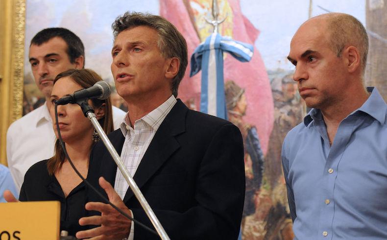 """Macri dijo que Argentina """"se está poniendo de pie"""", y lanzó la campaña para las elecciones de octubre"""