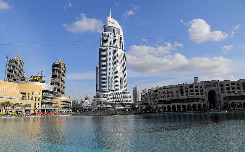 Ocurre incendio en hotel de Dubai cerca de sitio de espectáculo de Año Nuevo