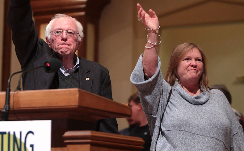 Quien es Bernie Sanders, el senador 'socialista democrático' que ha vapuleado a Hillary Clinton