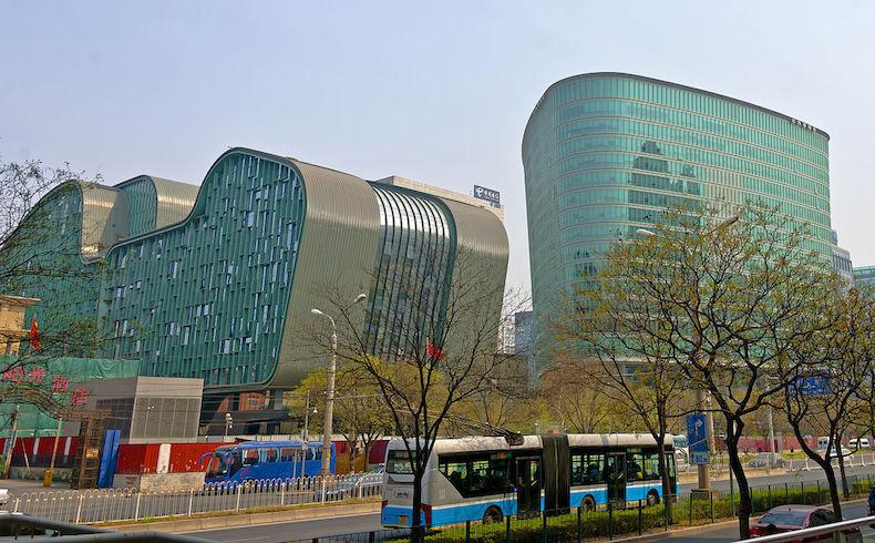 Ganancias de CNOOC se desploman por bajos precios de petróleo