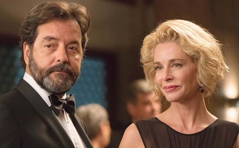 A fuerza de introducir el habitual sexo explícito, la serie 'La Embajada', de Antena 3, logra más de 4 millones de espectadores