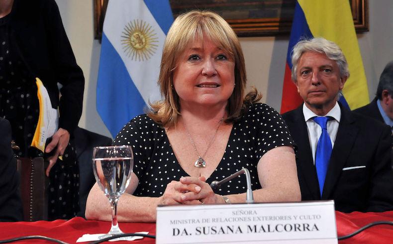 """Falklands/Malvinas: """"diálogo potencial"""" sobre petróleo y vuelos directos confirma Malcorra"""