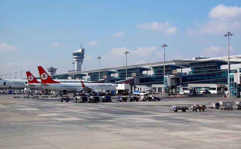 Atentado en el Aeropuerto Internacional Atatürk