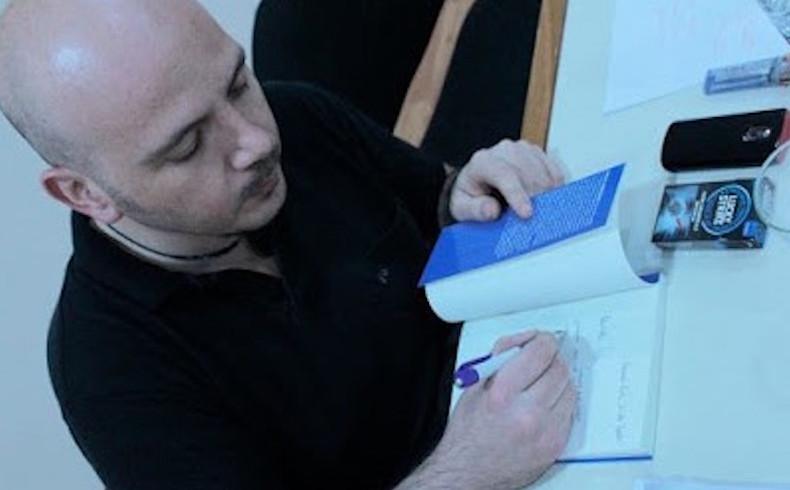 Flavio Crescenzi: sus respuestas y poemas