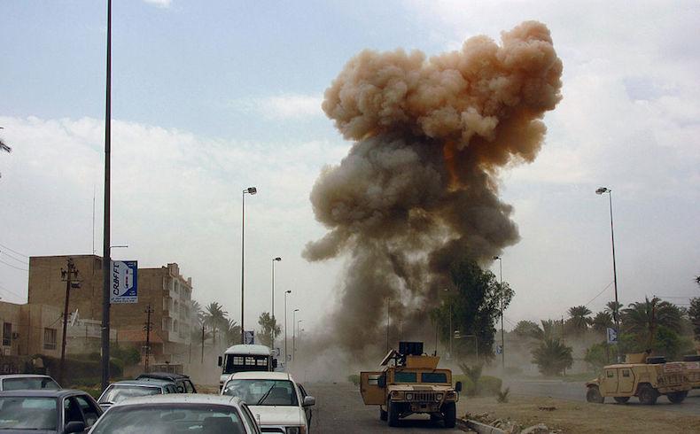 Los coches-bomba son una táctica frecuente de los insurrectos en Irak (Fuente de foto: Wikimedia Commons).
