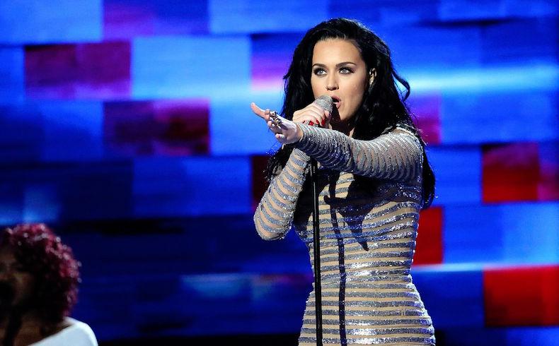 Katy Perry y Madonna 'se desnudan' para apoyar a Hillary Clinton