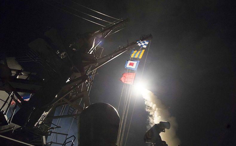 EEUU dispara 50 misiles contra Siria