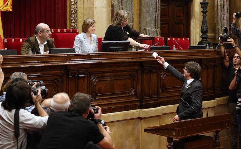 Puigdemont se atrinchera