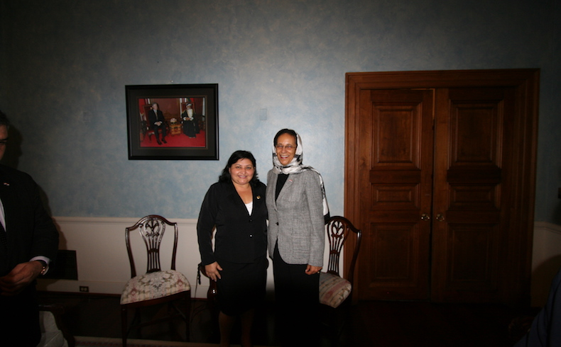 Esmerita Sanchez de Da Silva and Ambassador of Oman in Washington DC September 2015. Photo 2.