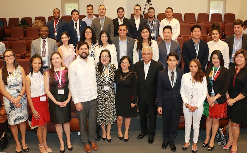 Panamá recibe al Intendente de Ñemby, Lucas Lanzoni