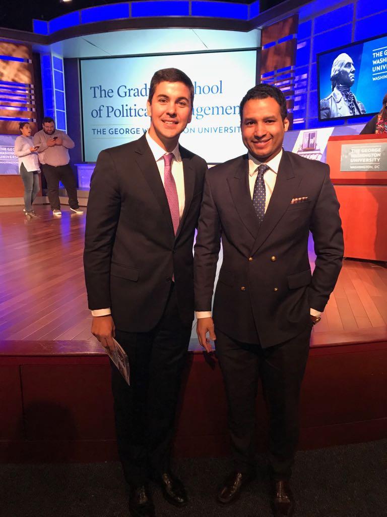 Con el ex candidato a la presidencia de Paraguay, Santiago Peña.