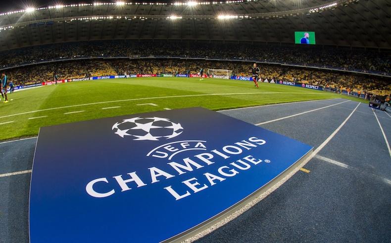 Casi 3.000 euros: esto es lo que gasta al año un aficionado al fútbol (más allá de la Champions)