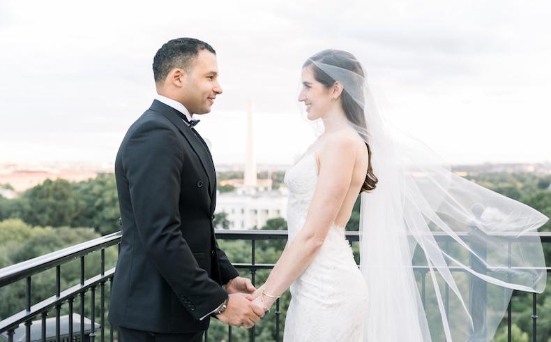 Geovanny Vicente Romero y Jennifer Miel se casan en ceremonia frente a la Casa Blanca, en Washington, D.C.