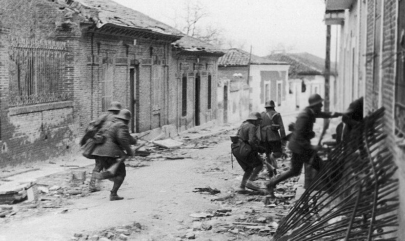 83 años después, el silencio sobre Paracuellos sigue beneficiando al enemigo