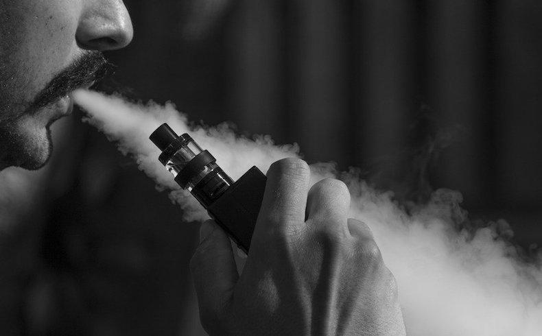 El cigarrillo electrónico puede dañar los pulmones, los vasos sanguíneos y el cerebro