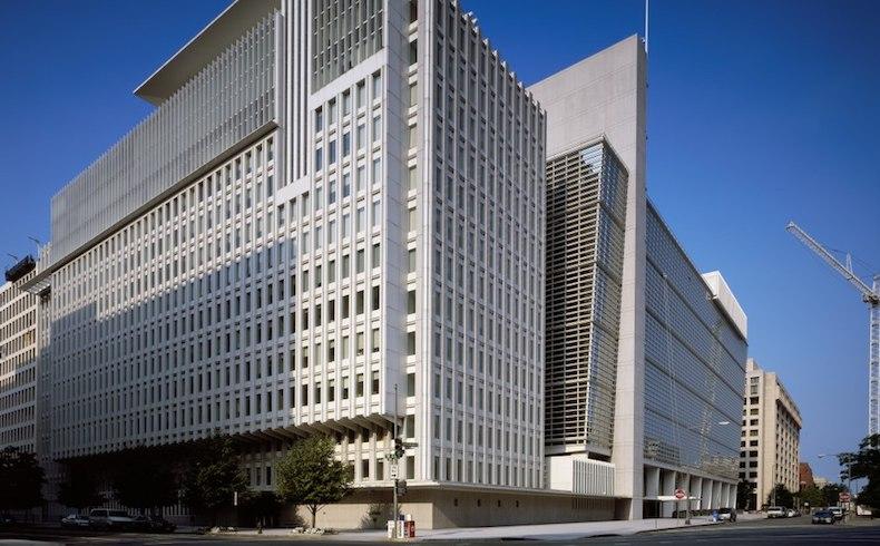 Steve Hanke: Es hora de paralizar la cooperación con el FMI
