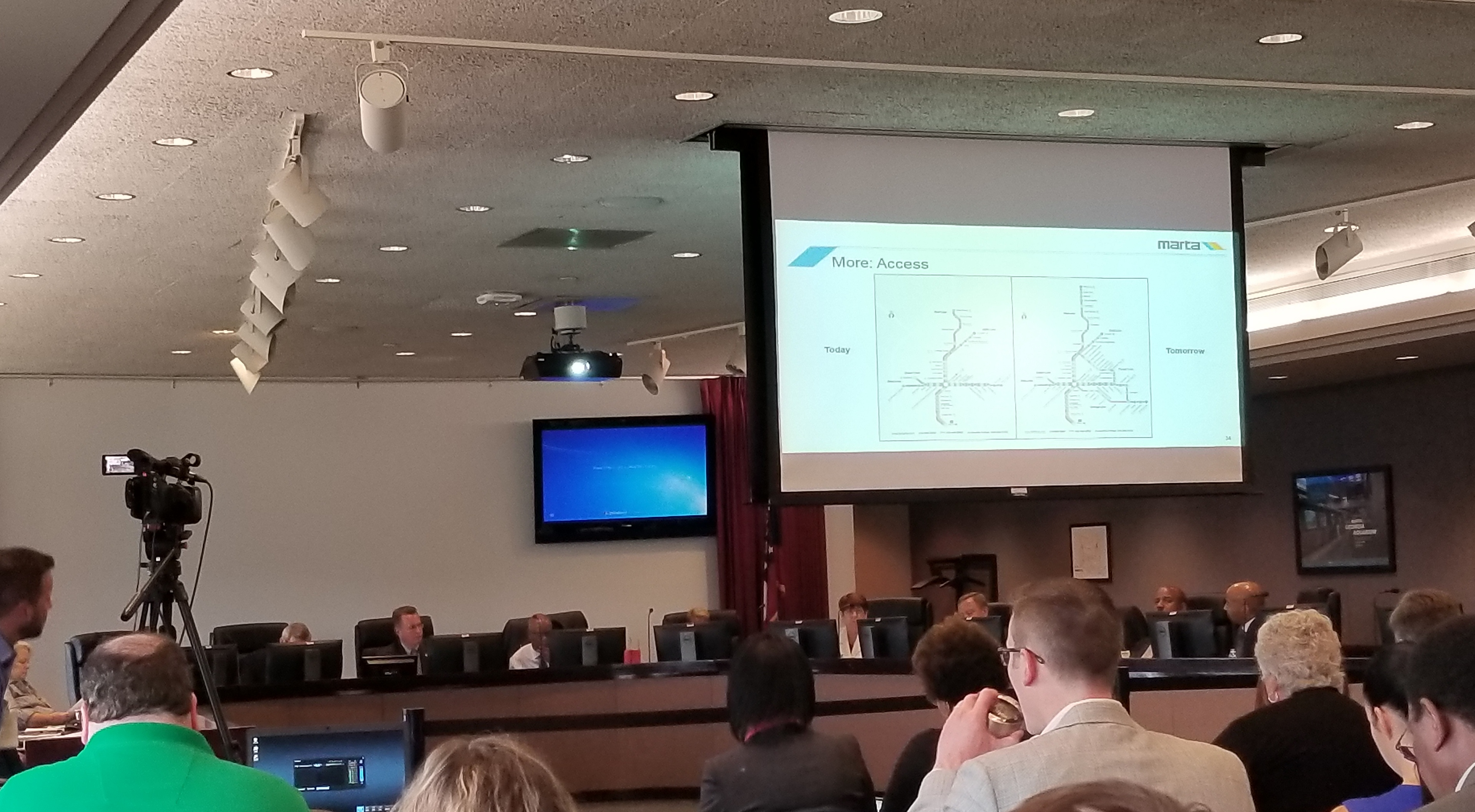 At its second meeting August 2 at MARTA headquarters, the House Commission on Transit Governance and Funding heard from MARTA CEO Keith Parker.