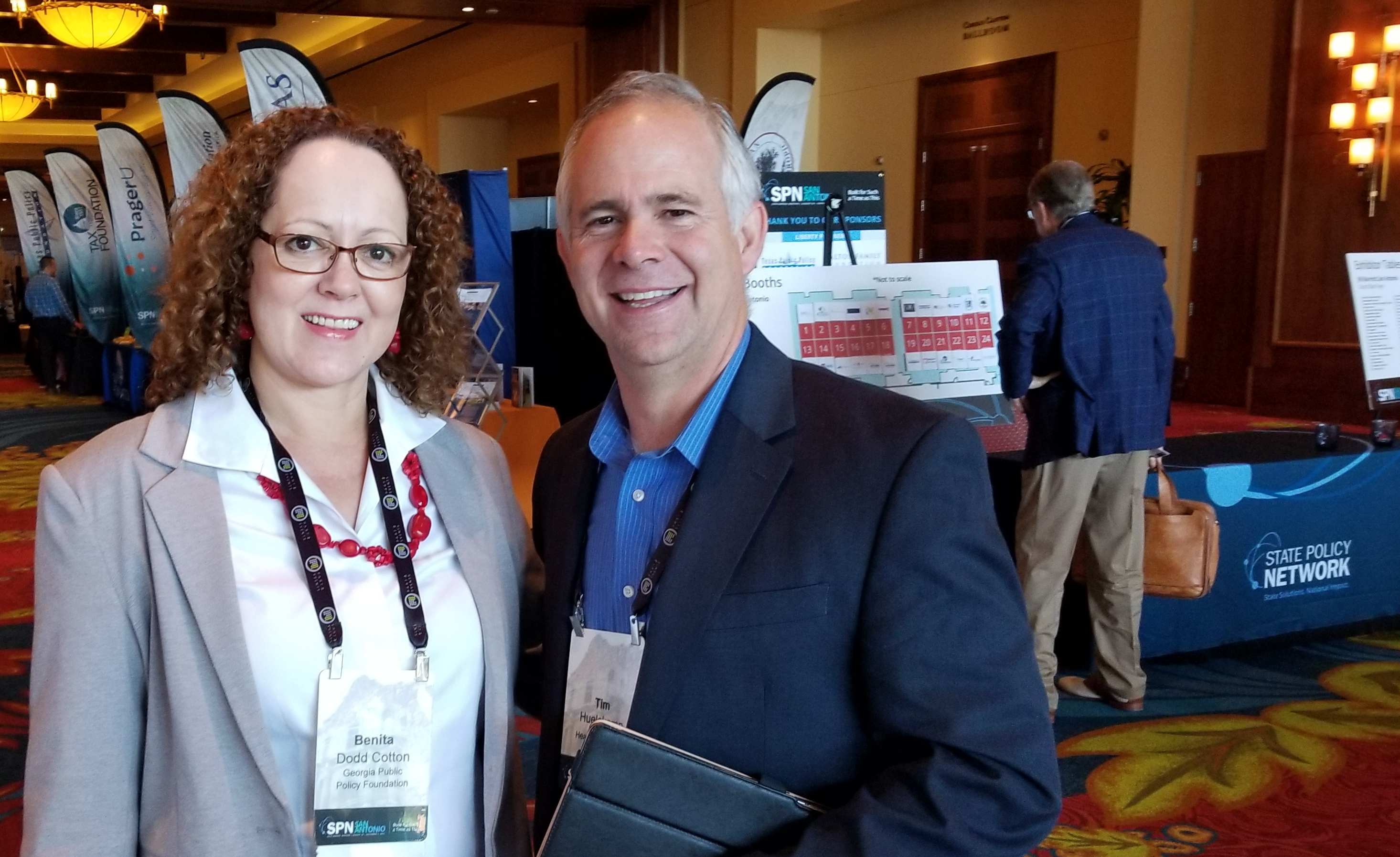 Foundation Vice President Benita Dodd met Dr. Tim Huelskamp, the new president of the Heartland Institute, at the 2017 State Policy Network annual conference in San Antonio, Texas. The former Congressman is the keynote speaker at the Georgia Legislative Policy Forum on October 13. (See Events for registration information)