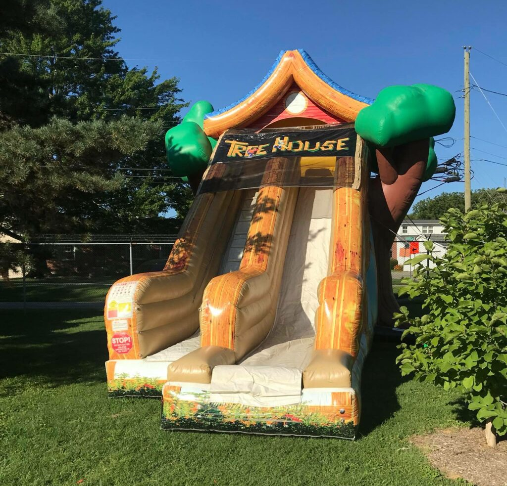 TreeHouse inflatable slide for children