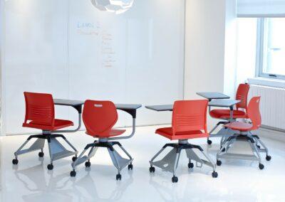 KI Educational Seating learn2_round_geniusmarkerboardpanels