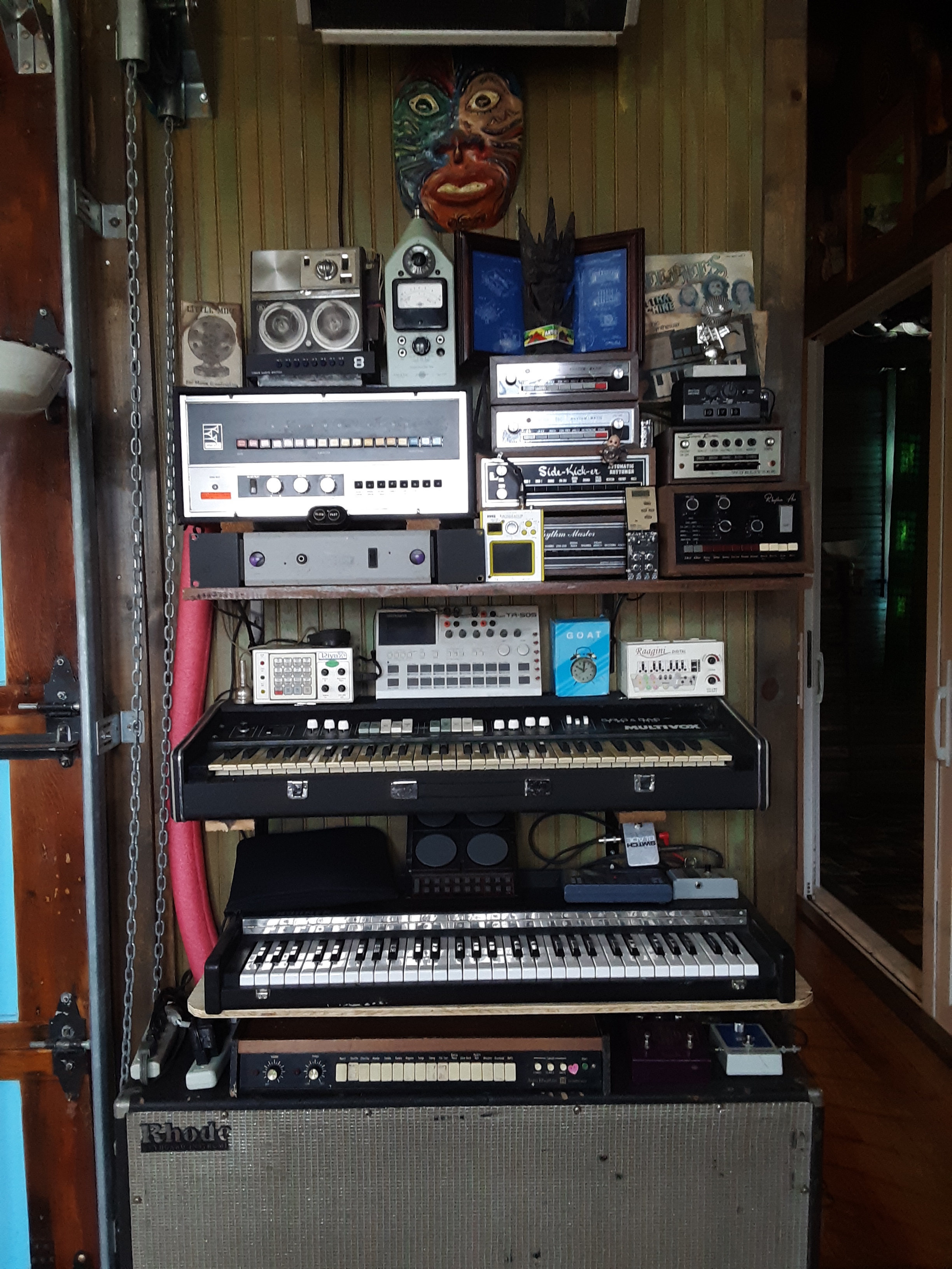 DRUM BOX & KEYS WORKSTATION