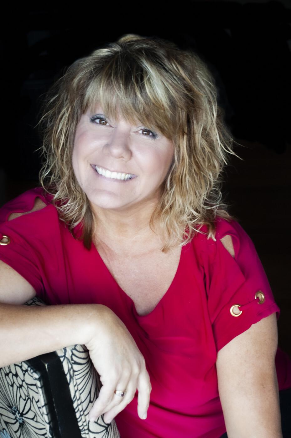 Linda Martin Listing ManagerBernstein & Co