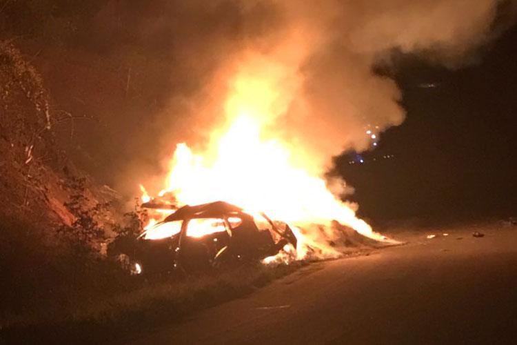 carro-incendiado-br-030-em-caetite-achei-sudoeste